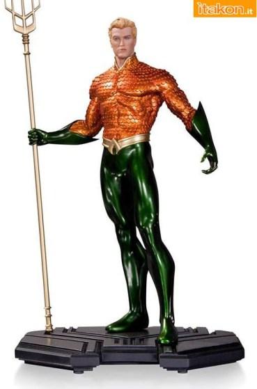 DC Comics Icons Aquaman Statue di DC Collectibles - Foto Ufficiale e Costo