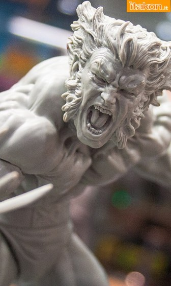 Toy Fair NY 2014: Mostrato Wolverine Brown Outfit Fine Art Statue