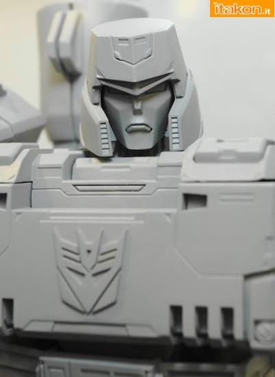 Art Storm: Mostrato il prototipo di Megatron Ultimetal da Trasformer all'evento C3