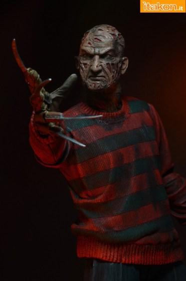 NECA-Ultimate-Freddy-026