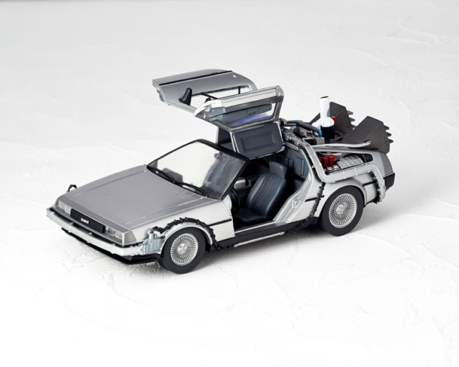 DeLorean Movie REVO - Back to the Future - Kaiyodo preorder 01