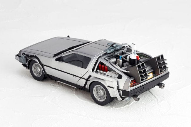 DeLorean Movie REVO - Back to the Future - Kaiyodo preorder 02