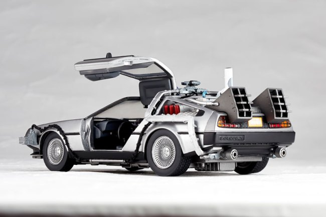 DeLorean Movie REVO - Back to the Future - Kaiyodo preorder 05