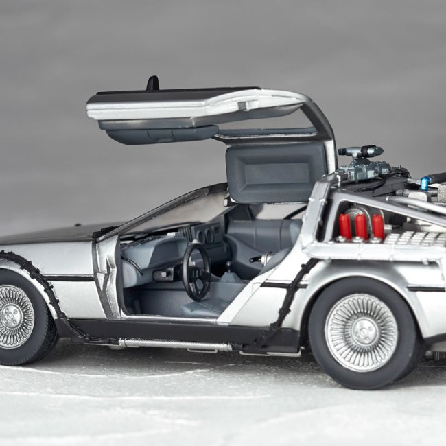 DeLorean Movie REVO - Back to the Future - Kaiyodo preorder 09