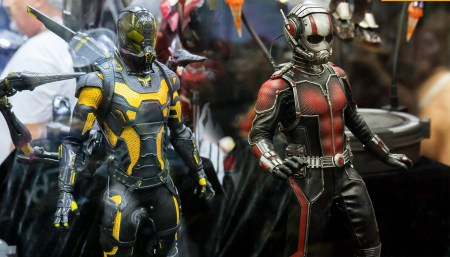 ant-man-yellow-jacket-hot-toys-sdcc-2015-thumb
