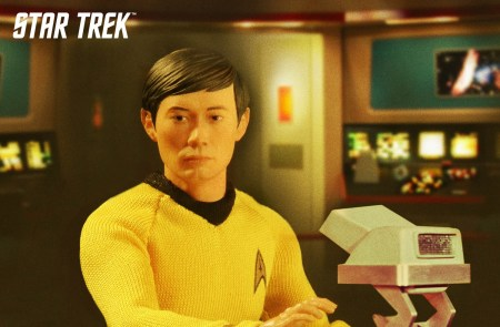 Mezco-One12-Star-Trek-Sulu-001