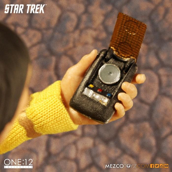 Mezco-One12-Star-Trek-Sulu-007