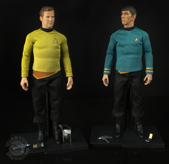 QMX-Star-Trek-Captain-Kirk-and-Spock-1