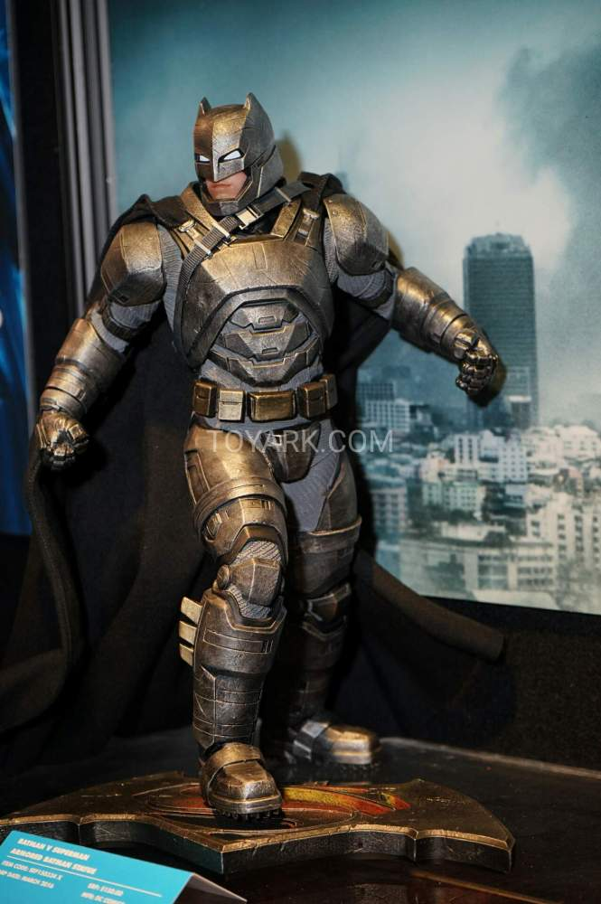 TF-2016-DC-Collectibles-Booth-019