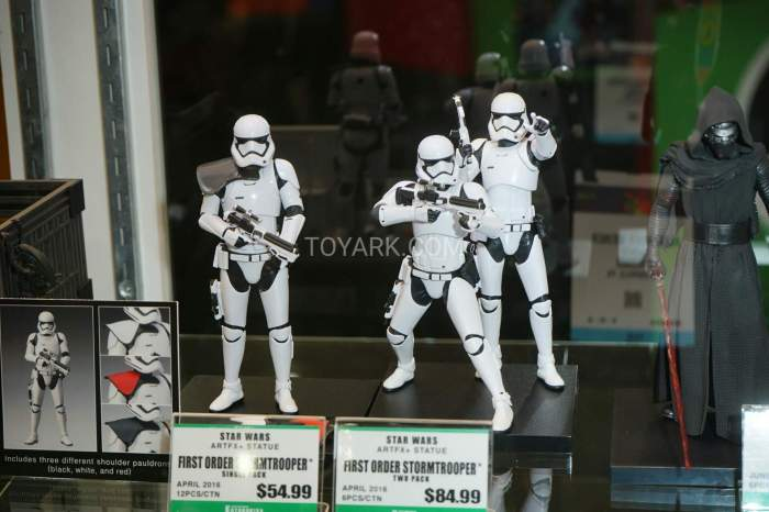 TF-2016-Kotobukiya-Star-Wars-003