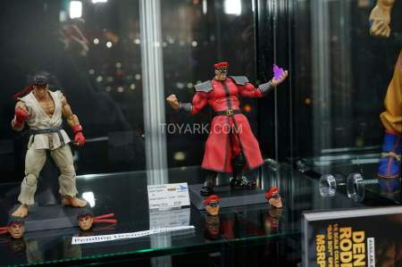 TF-2016-Storm-Collectibles-003