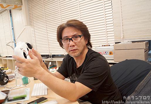 Aki-san al cotrollo di un Nendrone