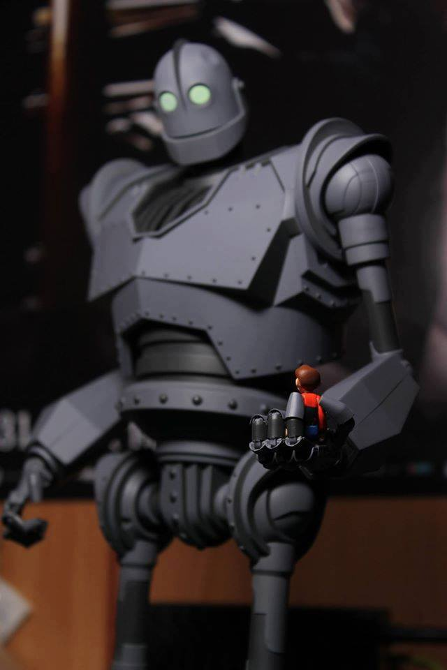 The IRON GIANT Mondo pics 32