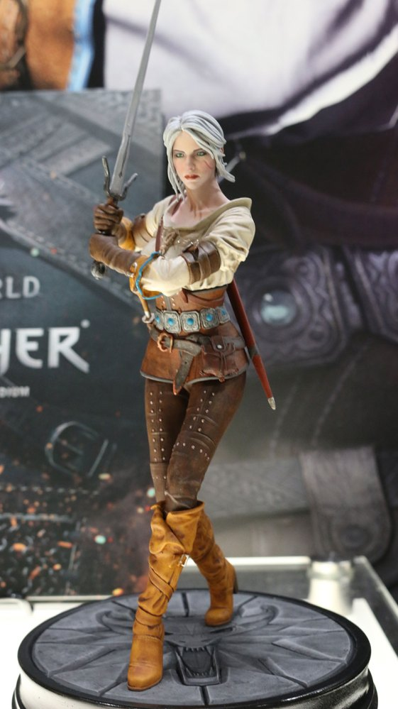 dark-horse-the-witcher-3-wild-hunt-ciri-statua-acf-11724261457445225_jpg_800x0_upscale_q85