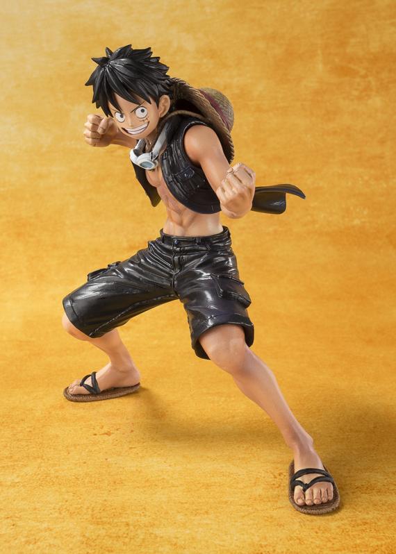 Monkey D Luffy - One Piece Gold - Bandai Figuarts ZERO info 01