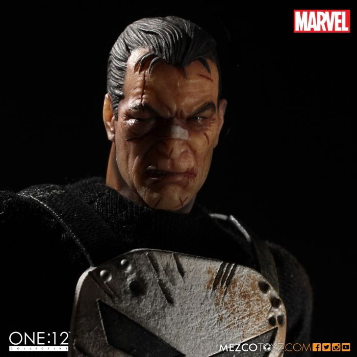 MezcoOne12-The-Punisher-009