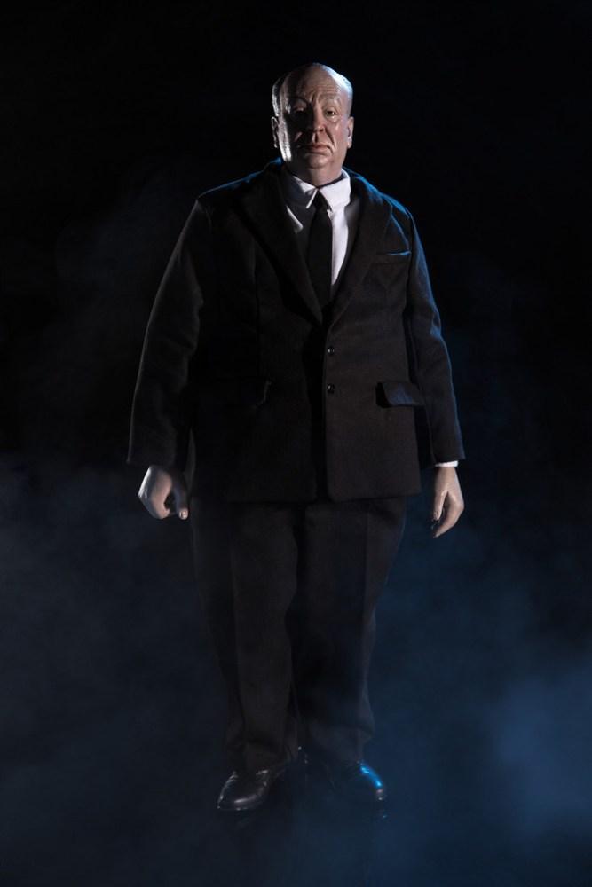 Mondo-Alfred-Hitchcock-Figure-001