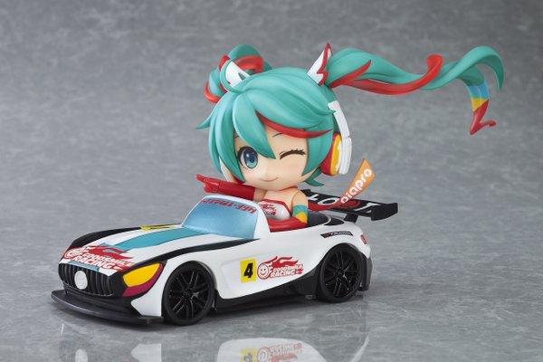 Racing Miku 2016 Nendoroid GSC pics 03