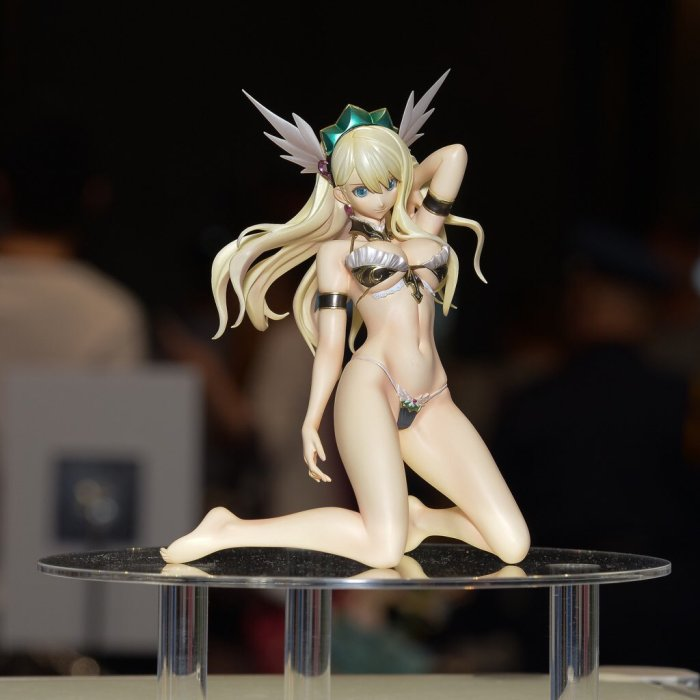 Valkyrie da Bikini Warriors, in collaborazione con Hobby Japan