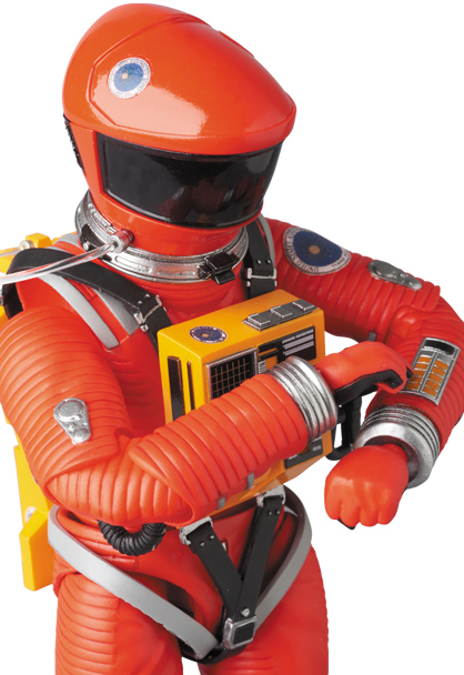 MAFEX-2001-Space-Suit-Orange-005