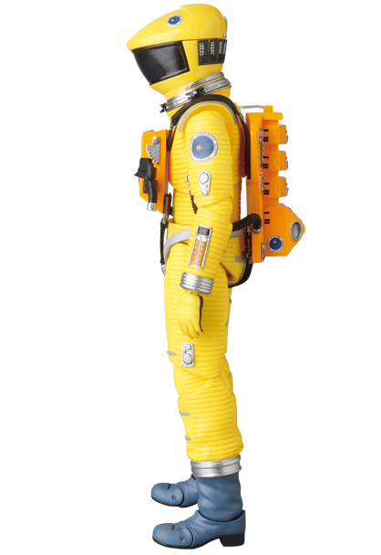 MAFEX-2001-Space-Suit-Yellow-003