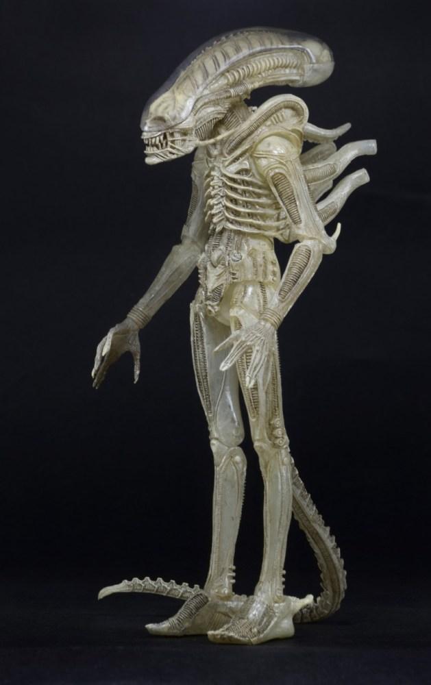 NECA-Quarter-Scale-Concept-Alien-Announced-002