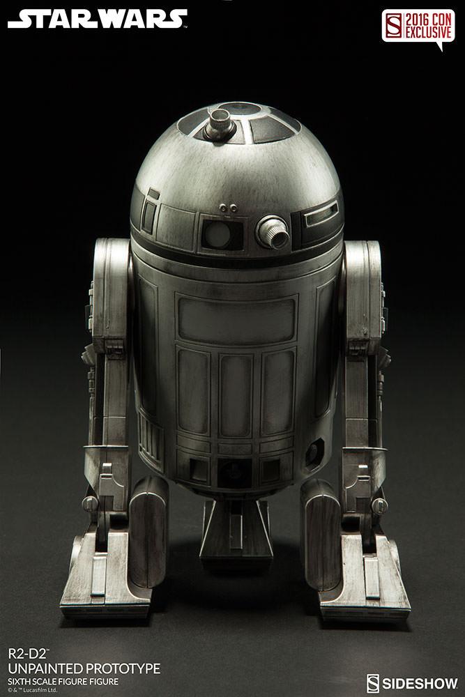 SDCC16-Sideshow-R2-D2-Figure005