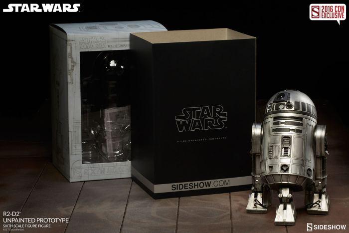 SDCC16-Sideshow-R2-D2-Figure011