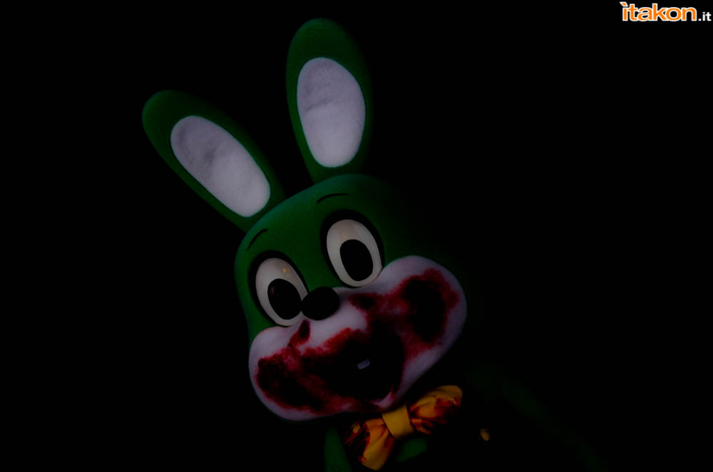 Gecco_Robbie_The_Rabbit_Dark (3)