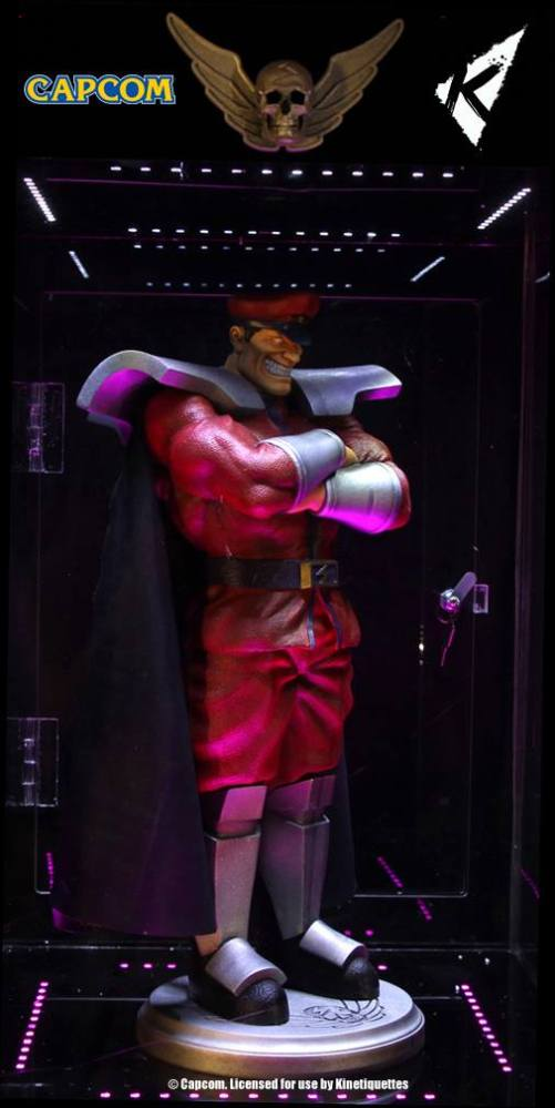 Kinetiquettes-M-Bison-Floating-Statue-002