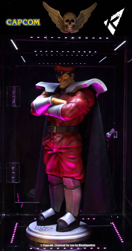 Kinetiquettes-M-Bison-Floating-Statue-006