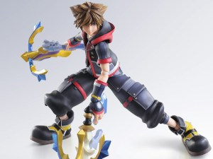 Kingdom-Hearts-III-Sora-Play-Arts-Kai-Square-Enix-Foto-evi