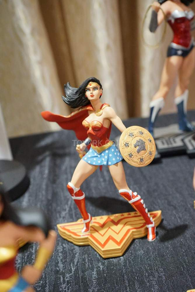 SDCC2016-DC-Wonder-Woman-019