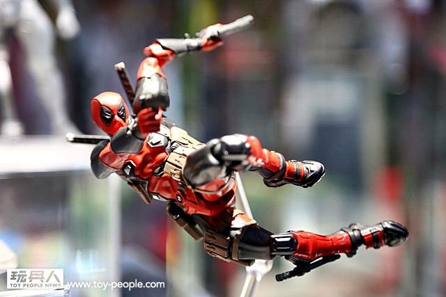WF2016-Revoltech-Deadpool-002