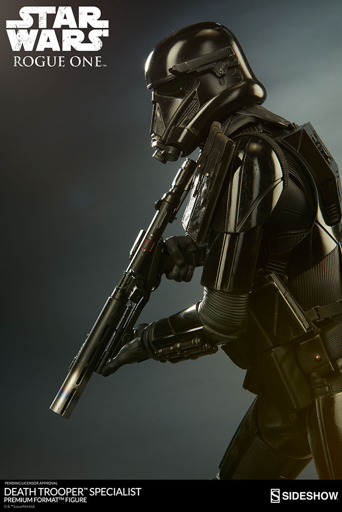 star-wars-rogue1-death-trooper-specialist-premium-format-300530-03