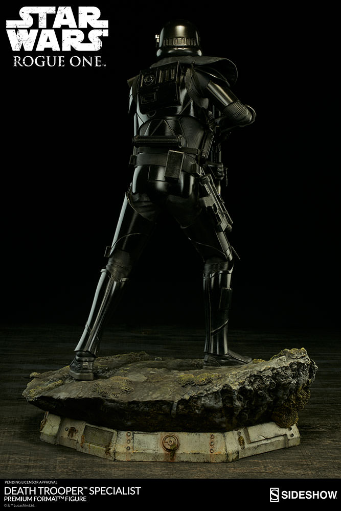 star-wars-rogue1-death-trooper-specialist-premium-format-300530-07