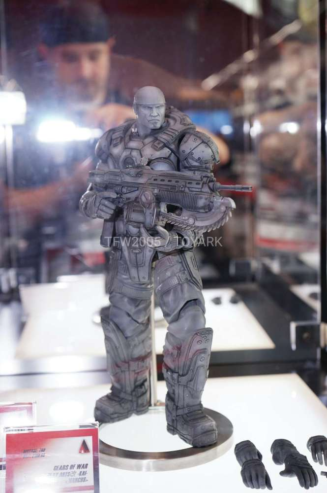 nycc2016-square-play-arts-gears-of-war-002