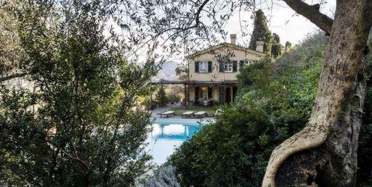Уникальная вилла с бассейном в Лигурии