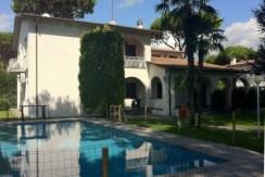 Rif. 72- 01 - Vista dalla piscina