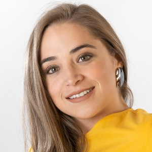 Presentadora Carolina Calkins 9