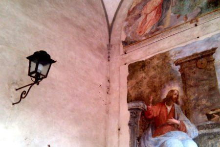 affresco esterno di una chiesa fiorentina