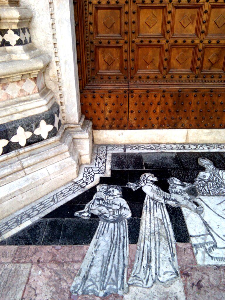 Duomo di Siena in dettaglio esterno