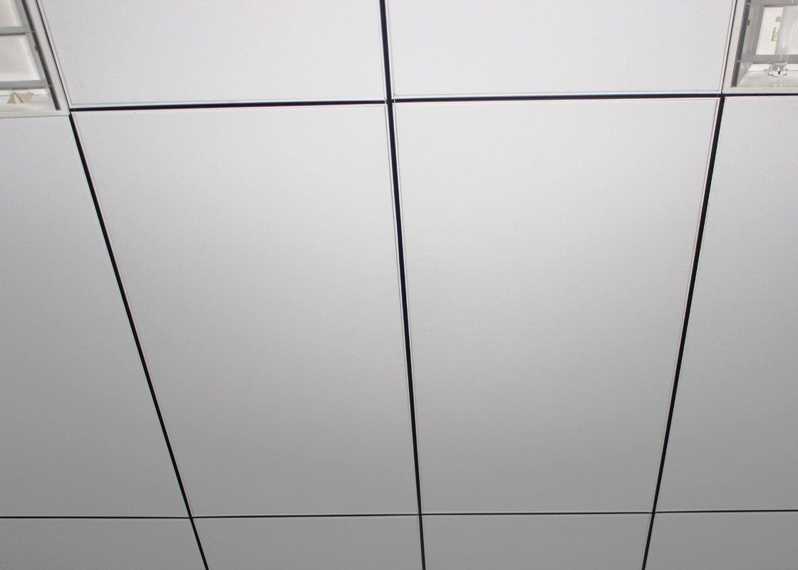 commercial kitchen ceiling tiles used tables la griglia aperta dell 39alluminio si è trovata nelle