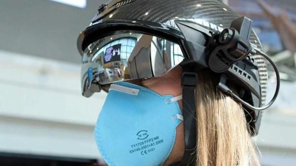 Aeroporto de Roma: 'capacete inteligente' para medir temperatura de passageiros