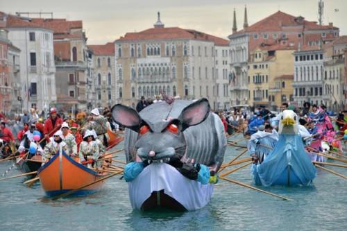 Carnevale 2016: barche in maschera