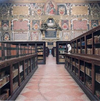 Bologna, il Palazzo dell'Arciginnasio: la Biblioteca