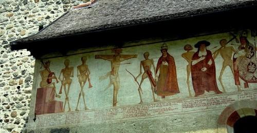 Chiesa di San Vigilio, Pinzolo: la Danza macabra