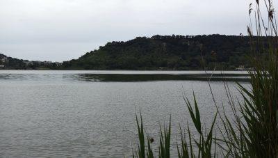 Il lago d'Averno nei Campi Flegrei. Foto © Alina Zvonareva
