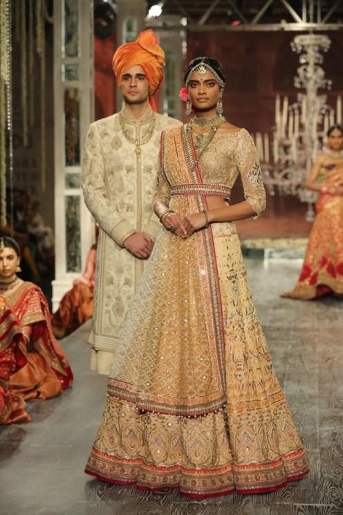 Day-2-FDCI-India-Couture-Week-2016-Tarun-Tahiliani-18