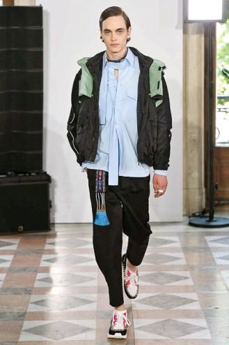 valentino ss18 paris men's fashion week pmfw runway buro247.sg-13